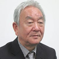 秋田泰博氏